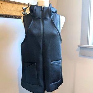 Under Armour Vest. EUC. Size M.